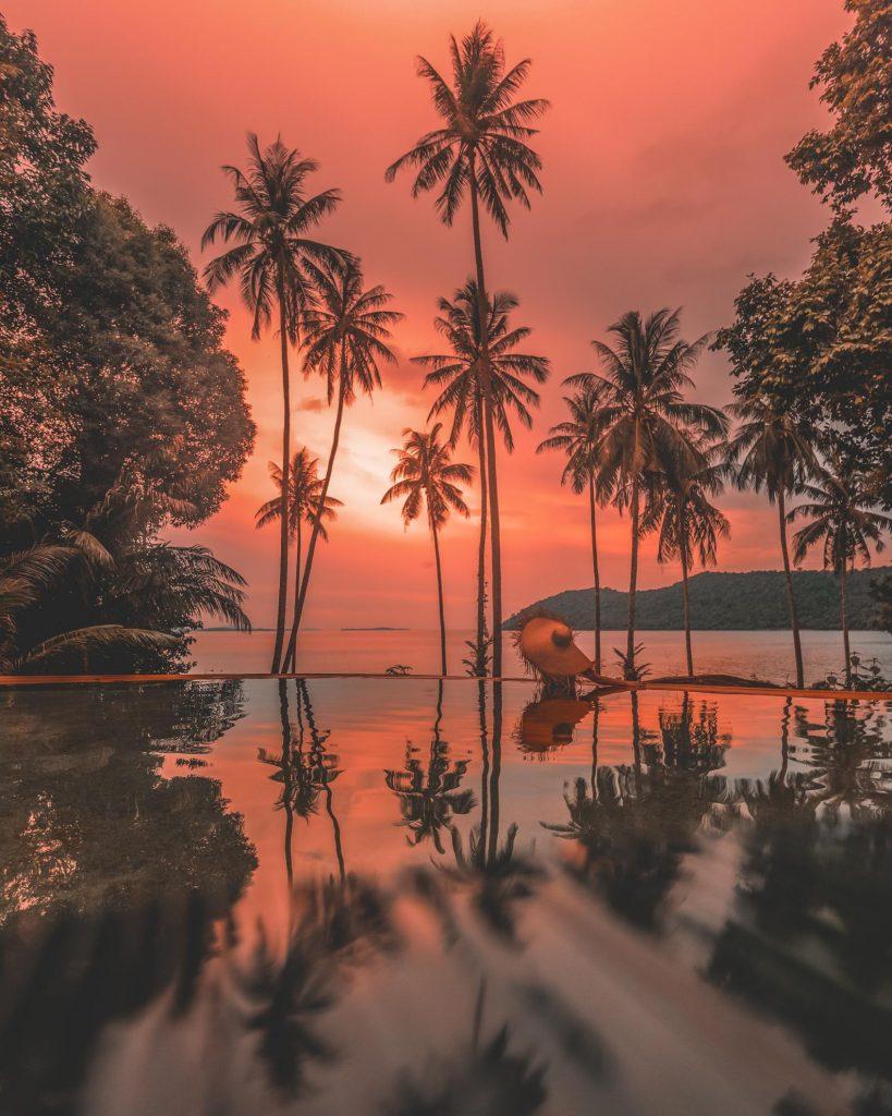 sunset al soneva kiri, thailand