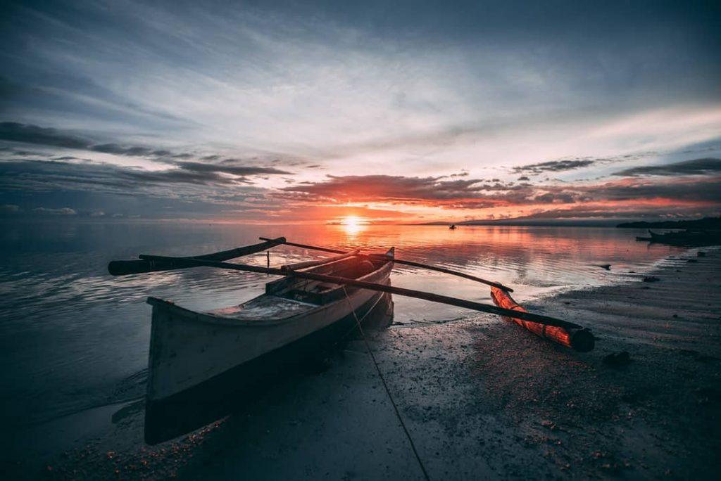sunset banga boat, philippines