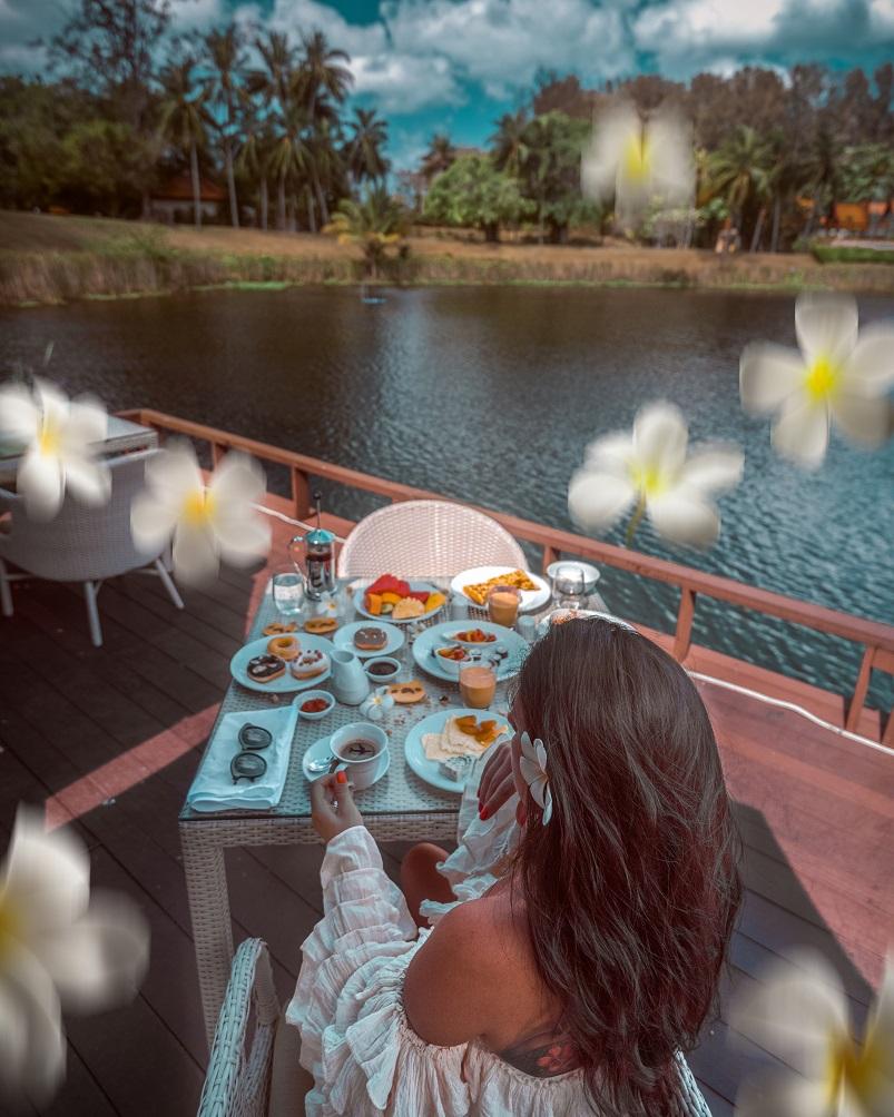 breakfast at Banyan Tree