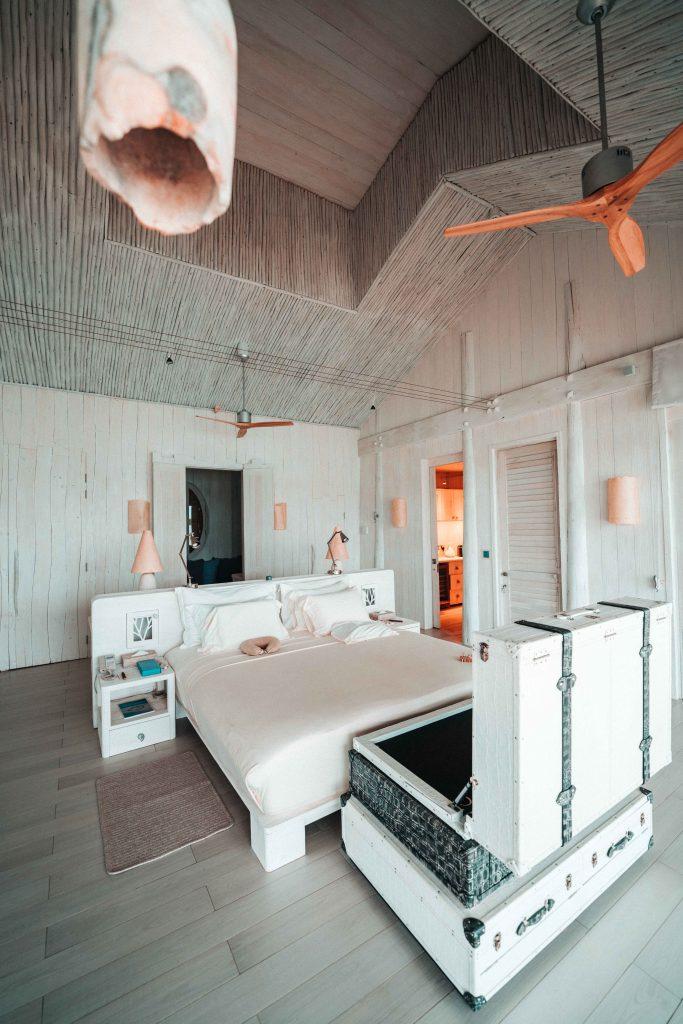 cum arata un dormitor dintr-o vila a soneva jani maldive